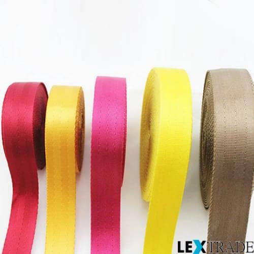 Ассортимент нейлоновых лент разных цветов